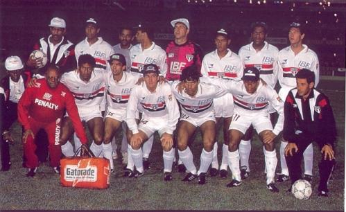 Em pé: Ivan, Adilson, Zetti, Cafú e Antonio Carlos; Agachados: Müller, Palhinha, Pintado, Raí e Elivélton